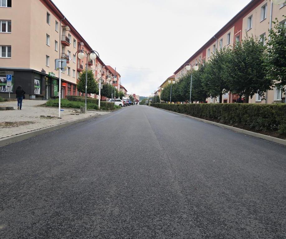 Rekonštrukcia miestnych komunikácií, chodníkov a parkovísk